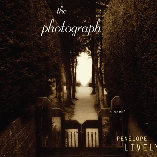 The Photograph, Penelope Lively