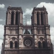 Notre Dame ve Paris, Bookmate